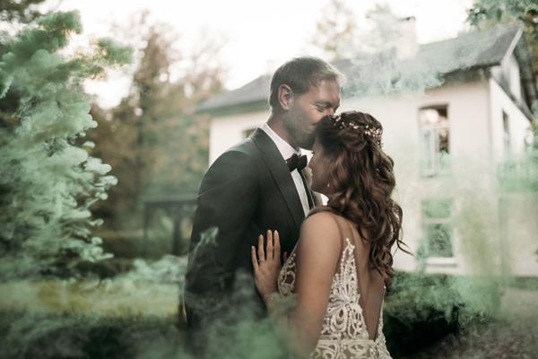 Carmen en Chris: trouwen in het bos in de herfst